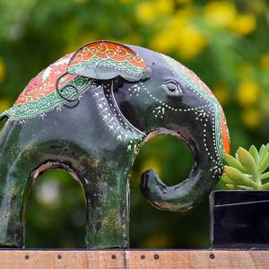 Metal Elephant Front Planter