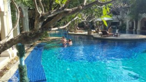 Centara Khum Phaya Resort and Spa Tour of the grounds and pool areas Chiang Mai hotel reviews
