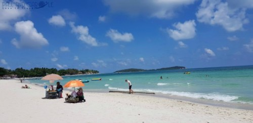Guide to the best beautiful beaches of Koh Samui Thailand by Paul and Carole Chaweng beach
