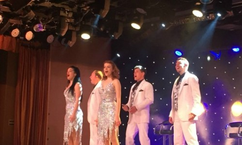 P&O Oceana Cruise ShipStarlights lounge #entertainment #singing #dancing #keepmusiclive #showtime #talent #Oceana