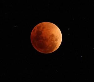 Lunar Eclipse August 2007  Photo Credit: Matt Binns via Compfight cc