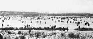 green-lake-jan-1916-skatersmr