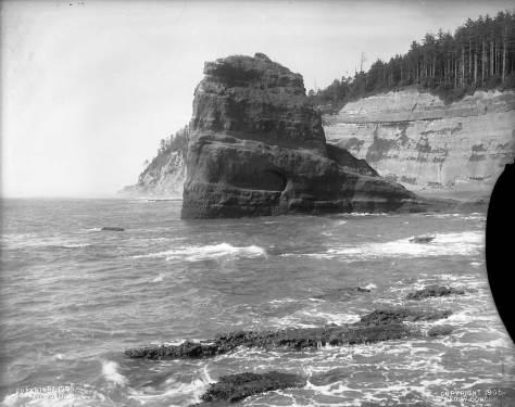 beach-and-cliffs-2