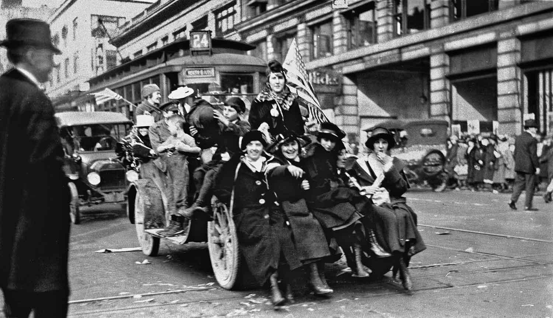 Seattle Now & Then: Armistice Day Parade, Nov. 11, 1918 ...