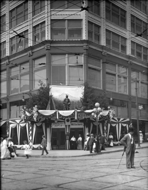 Seattle Day at AYP and at Standard Furntiure in 1909.  (Courtesy MOHAI)