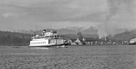 The ferry Ballard leaving Ludlow for its crossing to Ballard. (Courtesy, Dan-E)