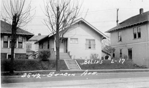 2542 Beacon Ave. S.