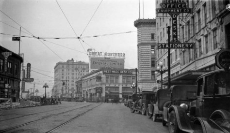 Looking north thru the same block on Nov. 29, 1927.