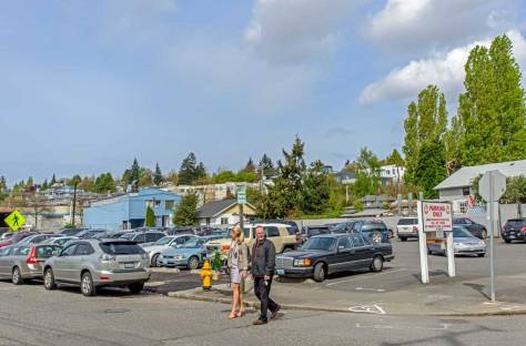 The Salmon House parking, former site of the Northlake Apartments.