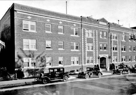 Mid-block on the east side of Brooklyn Ave. between 45th and 47th streets, the Kincade Apartments, circa 1925.