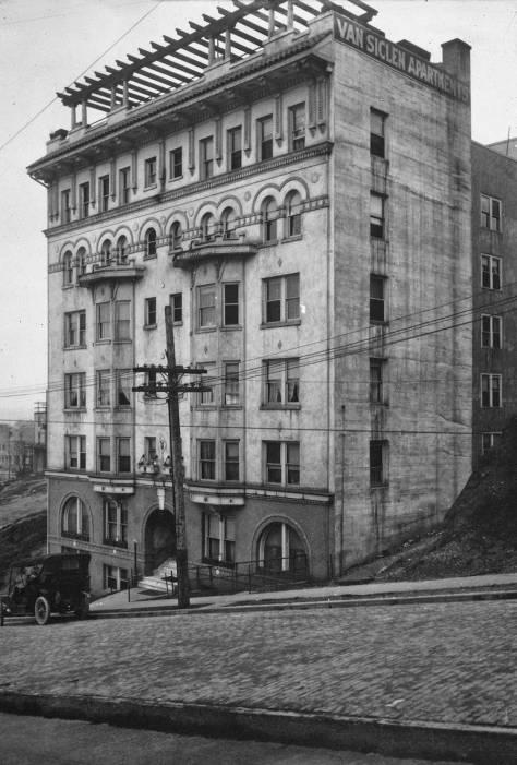 Van Siclen Apartments facing 8th Avenue between Seneca and University Streets.