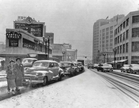Readers with an interest in local snow may wish to visit the front page of this blog and find there a button for calling down a history of Seattle snows.  It is detailed enough that you may be able to figure out what snow this is with the help of the photographs dated subjects, like the automobiles.