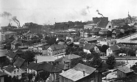 The Norwegian photograph Anders Wilse too this wide shot of Seattle ca. 1899 during the few years he lived in Seattle.   Can you find (part of) the Terry home here-in?  Clue 1:  The intersection of Jefferson Street and the alley between Fifth and Sixth Avenues is near the photograph's bottom-right corner.    Clue 2: The Yesler mansion, surrounded by Third, Fourth, James and Jefferson, is far left.