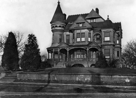 Pontius-mansion,-Denny-Way-SEPIA
