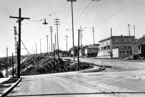 "Later the wall was removed and the top ""half' of N.E. 40th Street was pushed or regraded further to the north. (Courtesy, Lawton Gowey)"