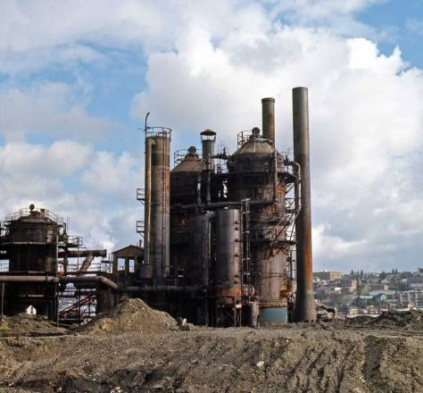"Frank Shaw titles and dates this ""Stacks and Tanks (cracking towers) Feb. 5, 1974. This is a few years after Haag's first visit and inspirations. As other Shaw photos will reveal below 1974-5 was a period of extensive shaping for the new Gas Works Park."