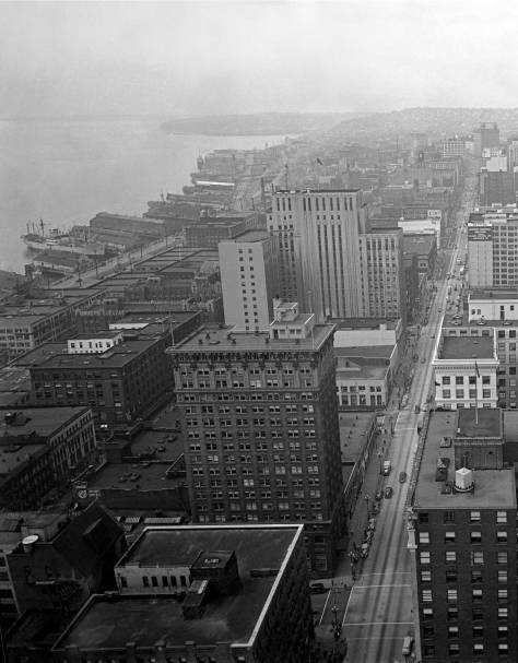 Smith-Tower-lk-up-2nd-vert.-ca.1948-web