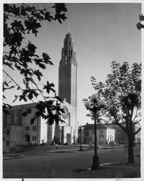St. Josephs when nearly new. 18th and Aloha.
