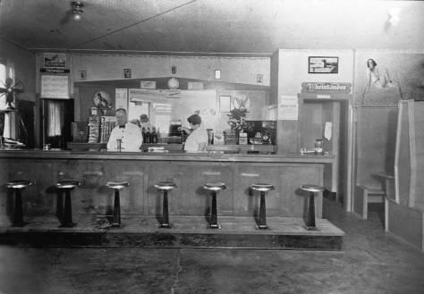 Tavern-Counter-w-Rheinlander-beer-signs-and-attendants-web