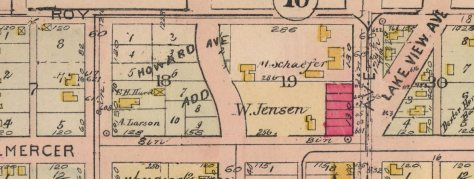 A detail from the 1908 Baist real estate map. Note the red-colored red brick footprint for the Jensen Apartments at the northwest corner of Mercer and Eastlake.