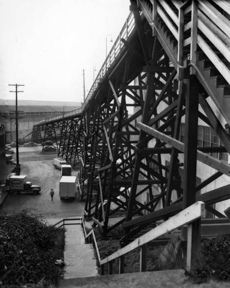 clip-HILL-CLIMBPike-St-trestle-'48-WEB