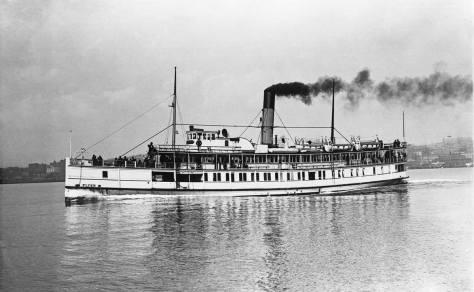 The Flyer steaming north on Elliott Bay passing Belltown.