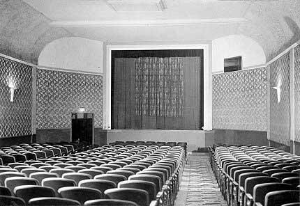 xx-broadway_interior-1940s-s-web