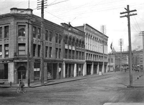 Occidental looking north from Jackson, ca. 1899.