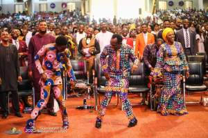 Album GRAND FINALE: SUPERNATURAL SHIFT FAST, BREAKING BREAD SERVICE