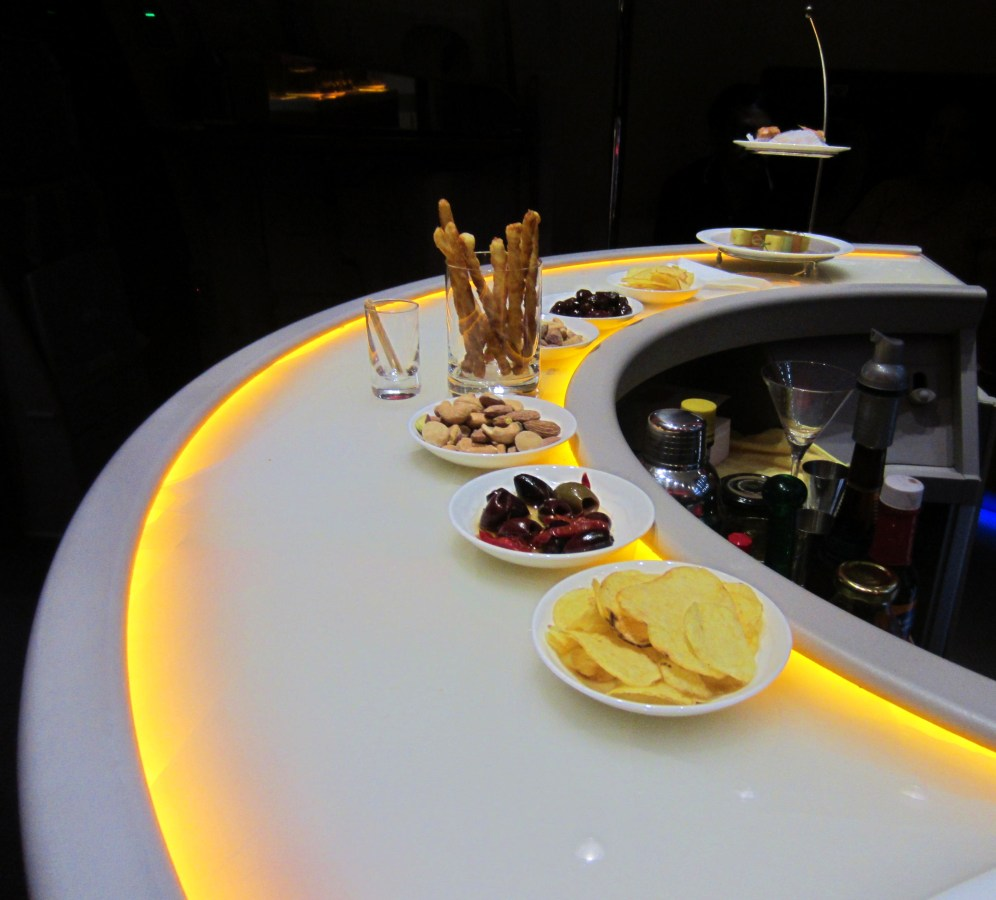 emirates-a380-bar-snacks