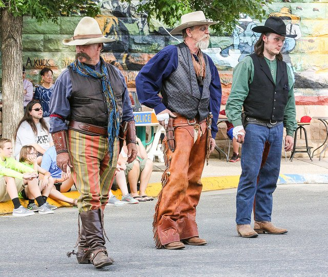 Three outlaws ready for a shootout