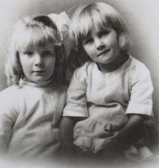 Winnie (left) and Emily Singleton