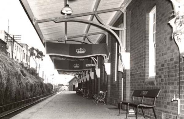 Lithgow station ready for the Quee's visit in 1954
