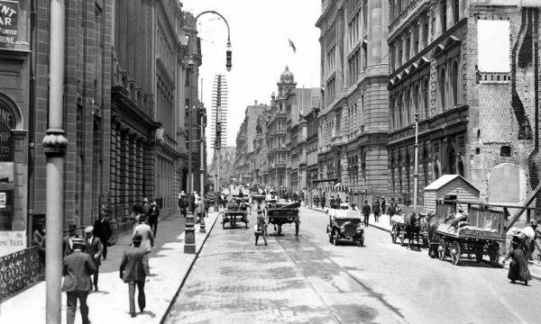 Pitt Street Sydney, 1910, looking  towards the Empire Hotel.