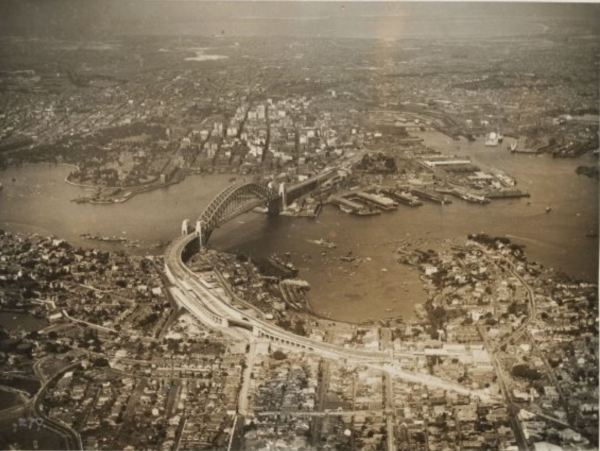 Sydney 1932 (Wikimedia)