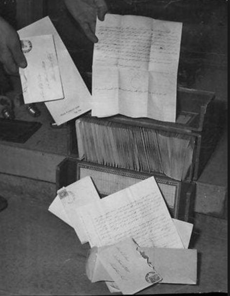 Love letters in the Fleming case