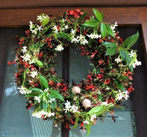 Christmas wreath featuring gumnuts