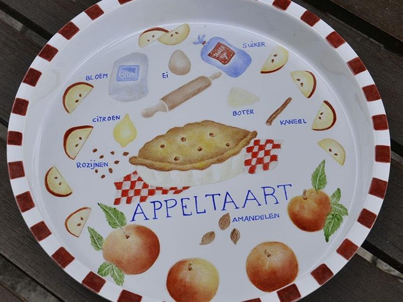 schaal met recept van appeltaart
