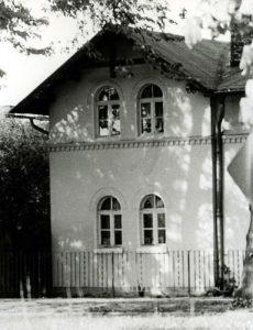 Haus der Gemeindebibliothek - bis 1990 Treffpunkt des Fotozirkels.