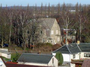 Das nach dem Ersten Weltkrieg errichtete Gebäude des ehemaligen Landambulatoriums beherbergt heute die Praxis von Dr. Grimm.