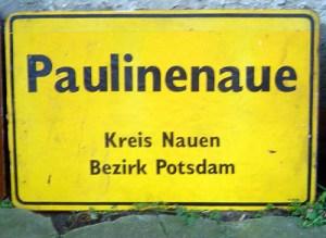Heimatkunde: Früher lag Paulinenaue im Kreis Nauen und gehörte zum Bezirk Potsdam.