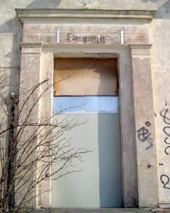 Ehemaliger Eingang ins Paulinenauer Bahnhofsgebäude