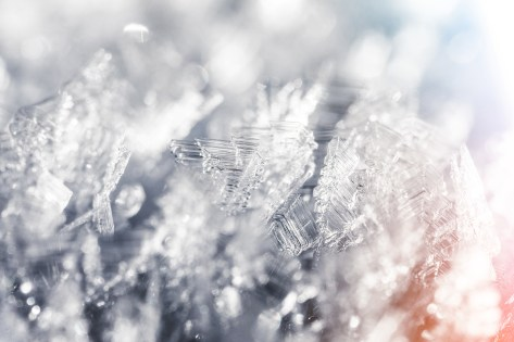 frozen-snowflakes-winter-hoarfrost-crystals-close-up-picjumbo-com