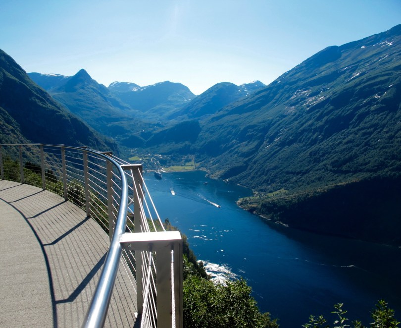 Road Trip Geiranger Fjord & Dalsnibba from Alesund