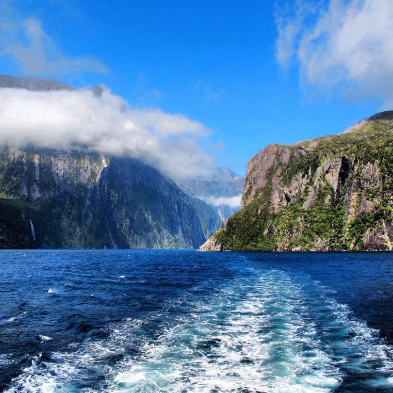 7 Great places to visit in New Zealand - Milford Sound Fjord of New Zealand