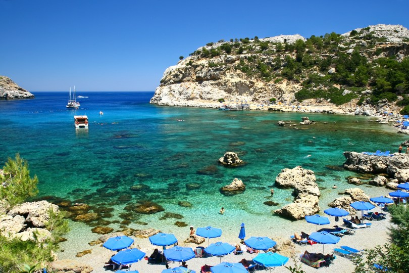 Things to do in Rhodes - The beautiful Anthony Quinn bay