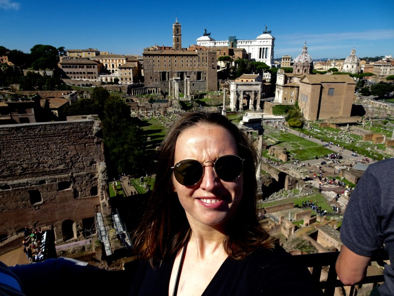7 Great things to do in Rome in 3 days, Colosseum, Vatican City, Palatine Hill, Roman Forum, Fontana di Trevi, Spanish Steps, Alther of Fatherland and best pizza in Trastevere.