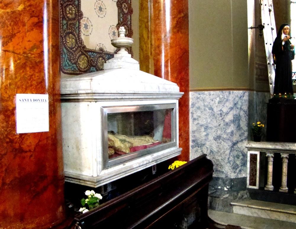 Santa Donata e Santa Cecília_ aos pés das virgens 1_Fotos  (5/6)