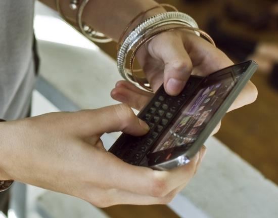 Nokia_N97_grip.jpg