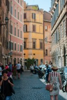 Sou and I went for a walk through Rome's streets and alleys on our free day.